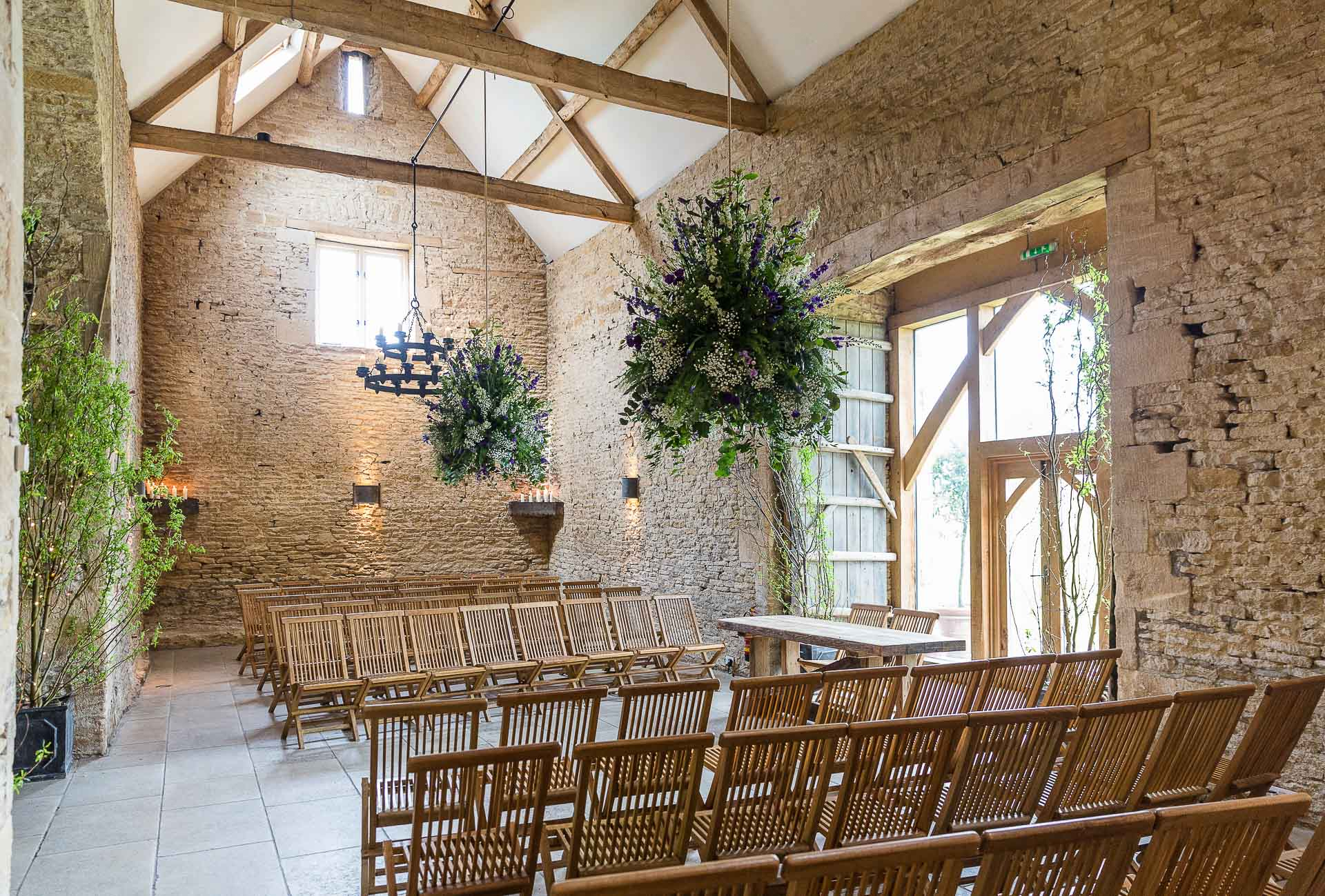 Nick Amp Kelly Cripps Stone Barn Wedding Louise Bowles